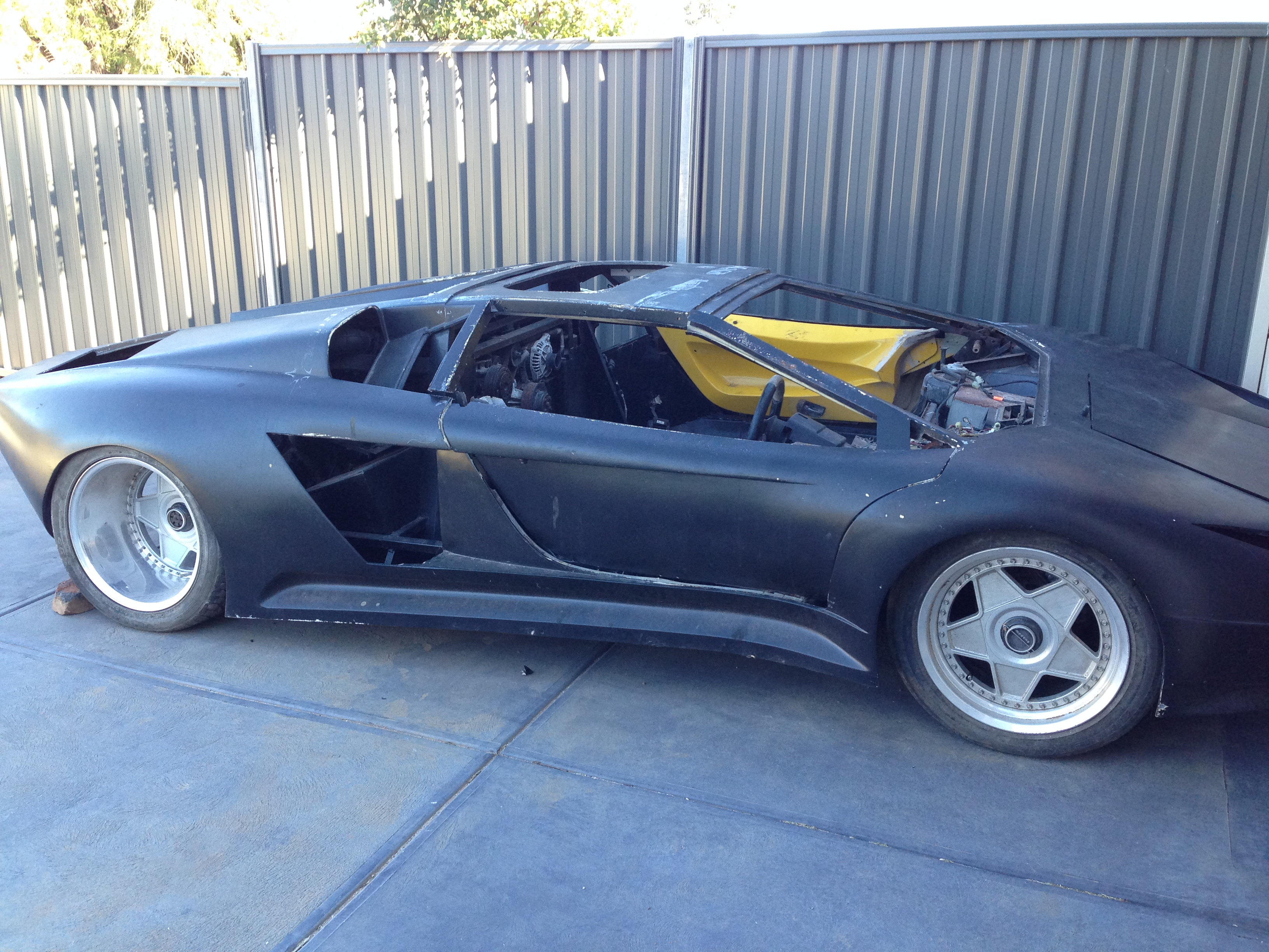 Kit Car Project Arrives Ultimatemancavebuild - Kit car