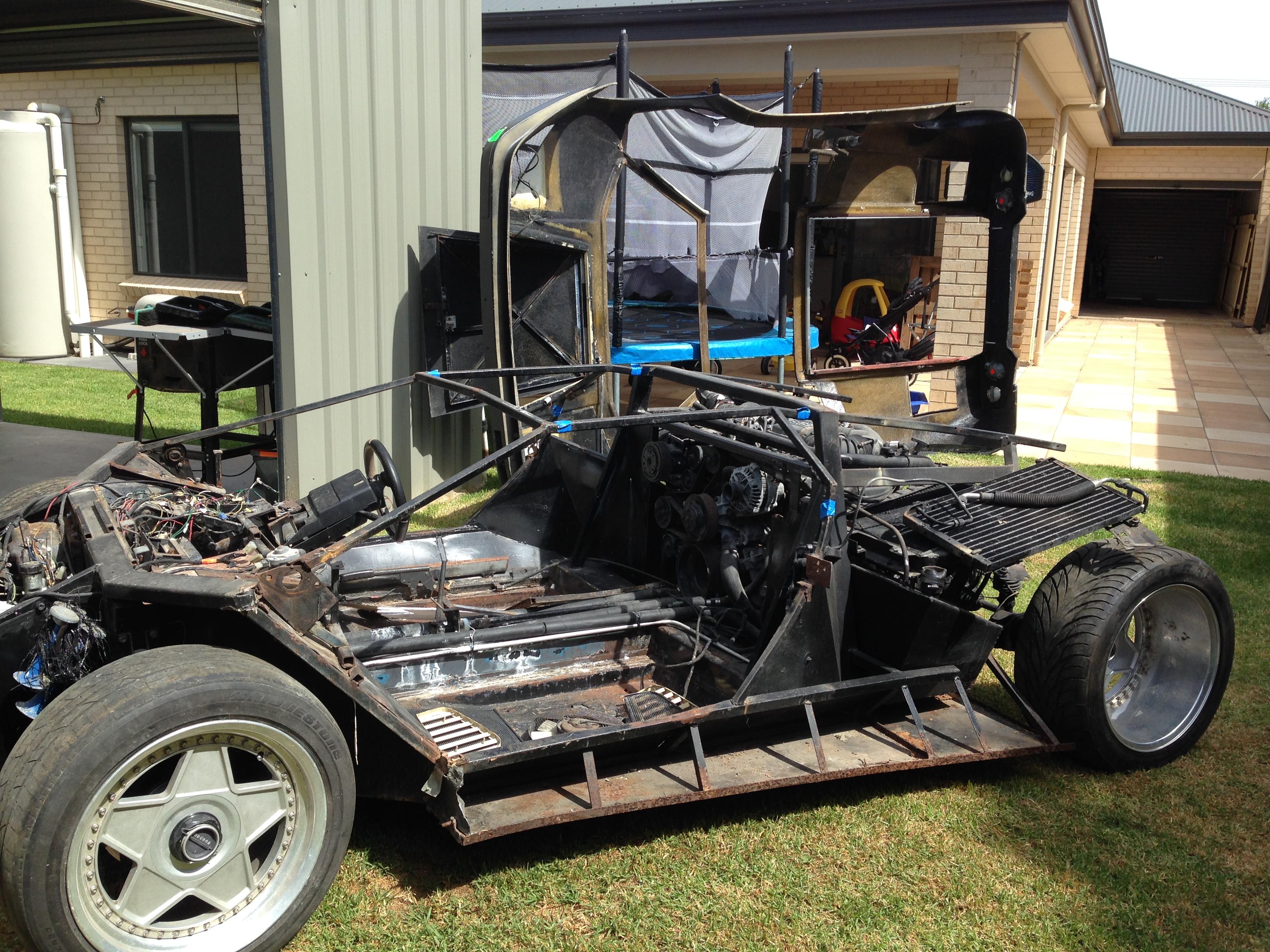 Kit car project underway | ultimatemancavebuild